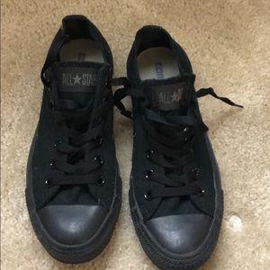 Unisex black low top Converse